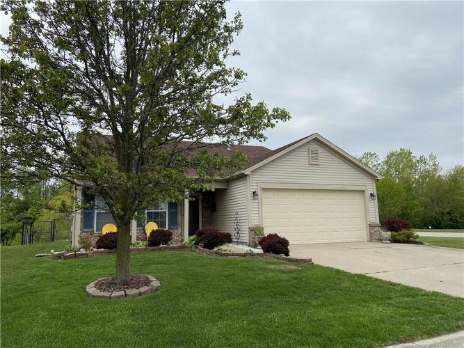 1308 Constitution Drive Indianapolis IN 46234   MLS 21709527   photo 1