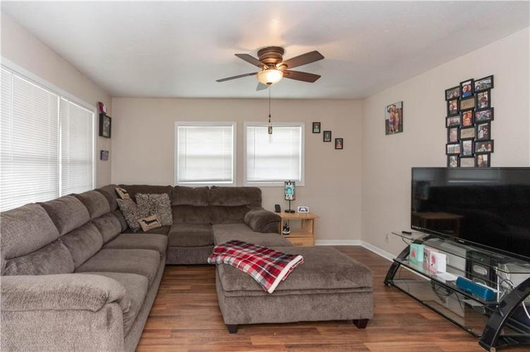 2441 S STATE Avenue Indianapolis IN 46203 | MLS 21709545 | photo 11