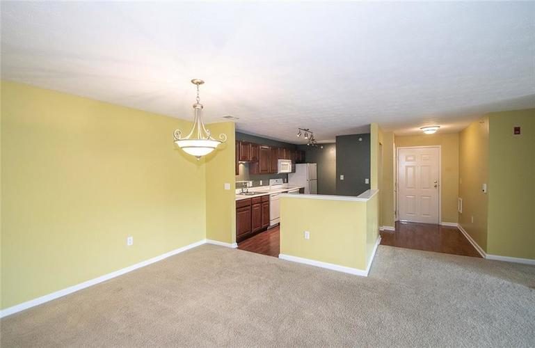 4933 Opal Ridge Lane Indianapolis IN 46237 | MLS 21709568 | photo 2
