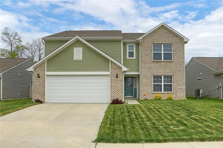 3726 Boundary Bay Drive Indianapolis IN 46217 | MLS 21709581 | photo 1