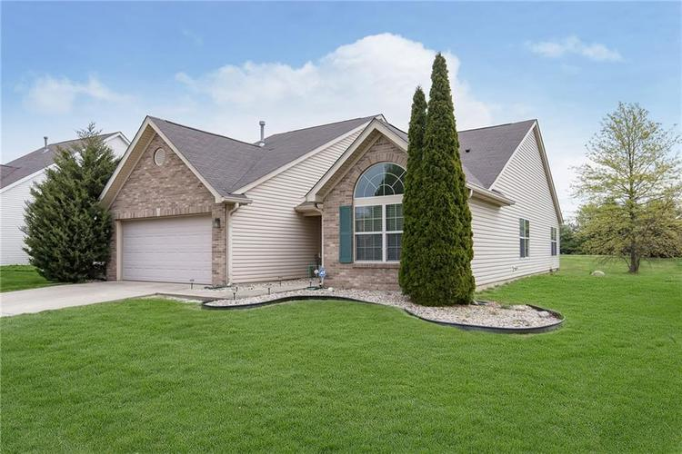 1137 Blue Bird Drive Indianapolis IN 46231 | MLS 21709613 | photo 2