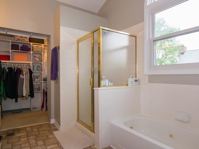 1120 KEENELAND Court Indianapolis IN 46280 | MLS 21709631 | photo 22