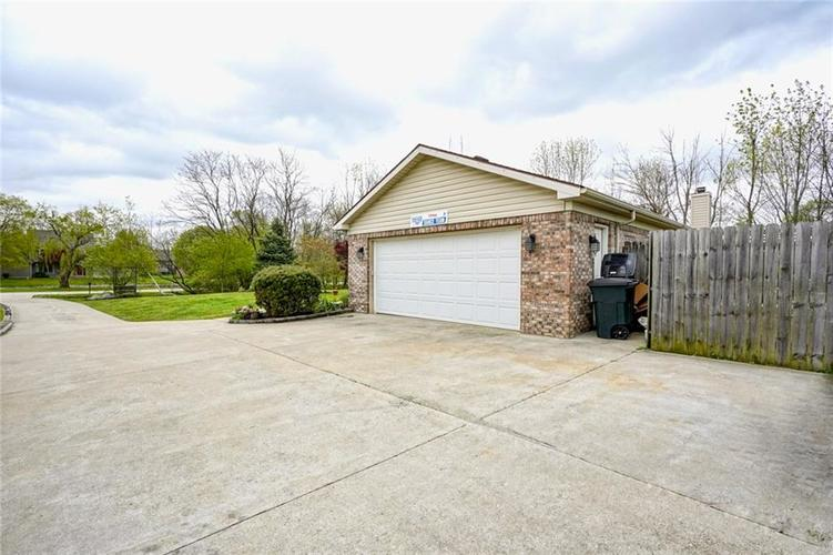 12617 Walrond Road Fishers IN 46037 | MLS 21709652 | photo 35
