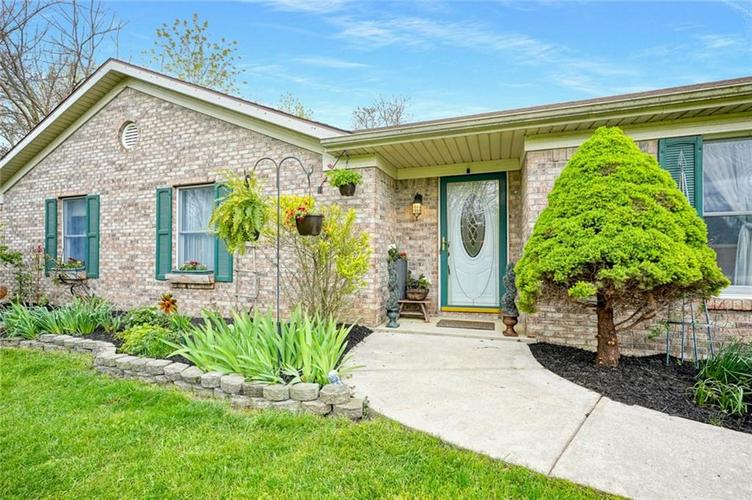 12617 Walrond Road Fishers IN 46037 | MLS 21709652 | photo 5