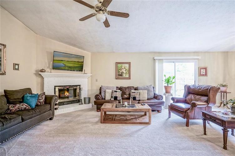 12617 Walrond Road Fishers IN 46037 | MLS 21709652 | photo 6