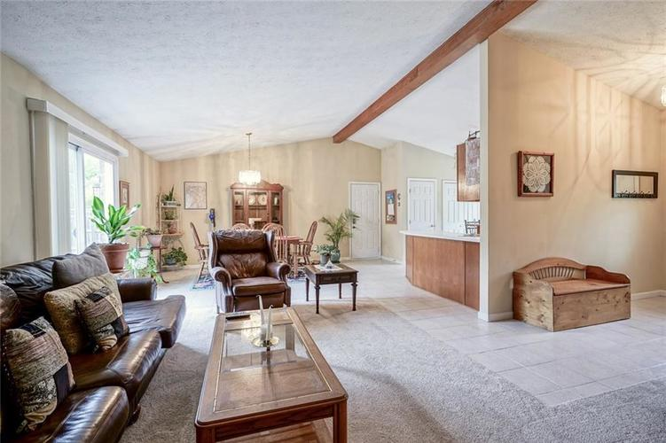 12617 Walrond Road Fishers IN 46037 | MLS 21709652 | photo 8