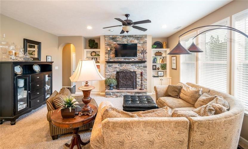 6286 Strathaven Road Noblesville IN 46062 | MLS 21709655 | photo 10