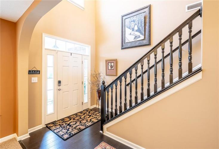 6286 Strathaven Road Noblesville IN 46062 | MLS 21709655 | photo 5