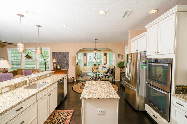 6286 Strathaven Road Noblesville IN 46062 | MLS 21709655 | photo 6