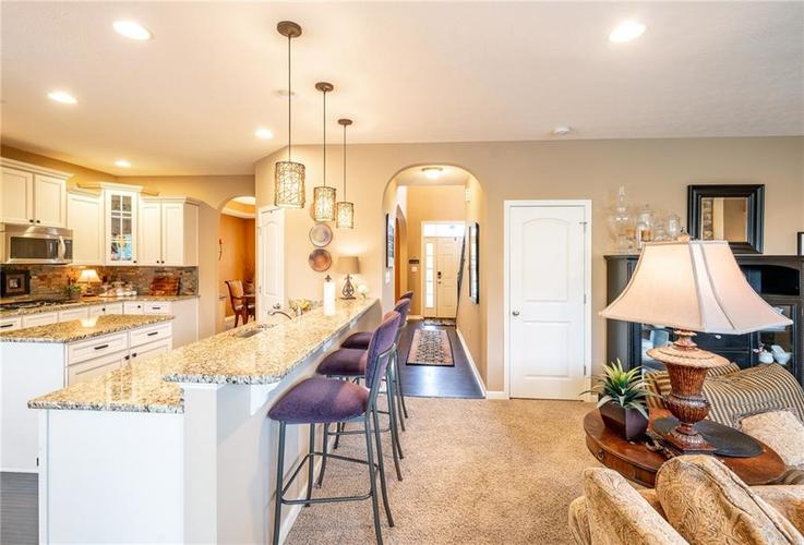 6286 Strathaven Road Noblesville IN 46062 | MLS 21709655 | photo 8