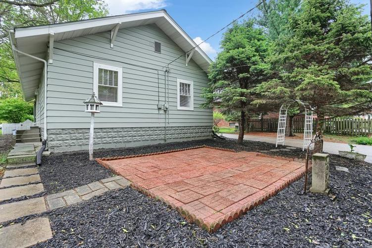 6208 Central Avenue Indianapolis IN 46220 | MLS 21709684 | photo 10