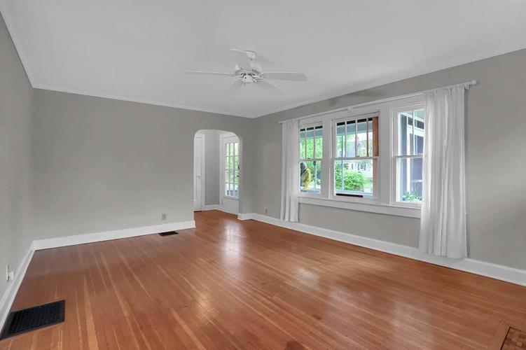 6208 Central Avenue Indianapolis IN 46220 | MLS 21709684 | photo 17