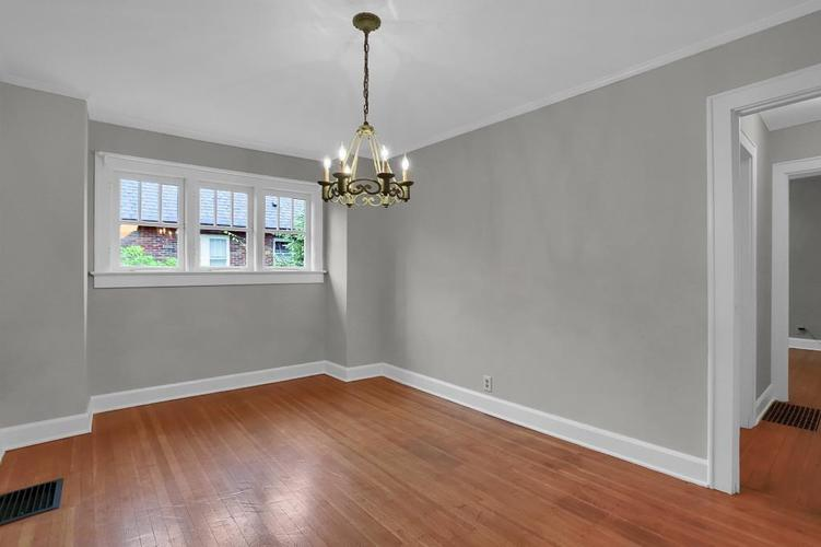 6208 Central Avenue Indianapolis IN 46220 | MLS 21709684 | photo 18