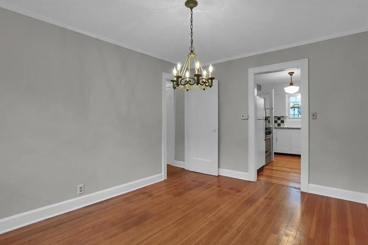 6208 Central Avenue Indianapolis IN 46220 | MLS 21709684 | photo 19