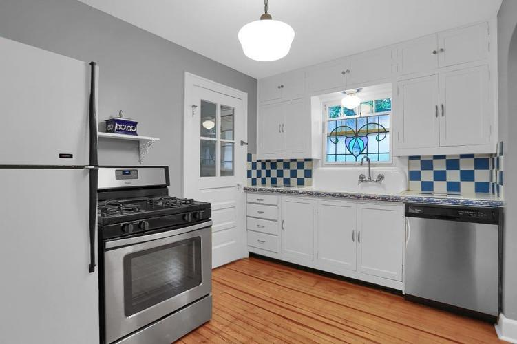 6208 Central Avenue Indianapolis IN 46220 | MLS 21709684 | photo 22