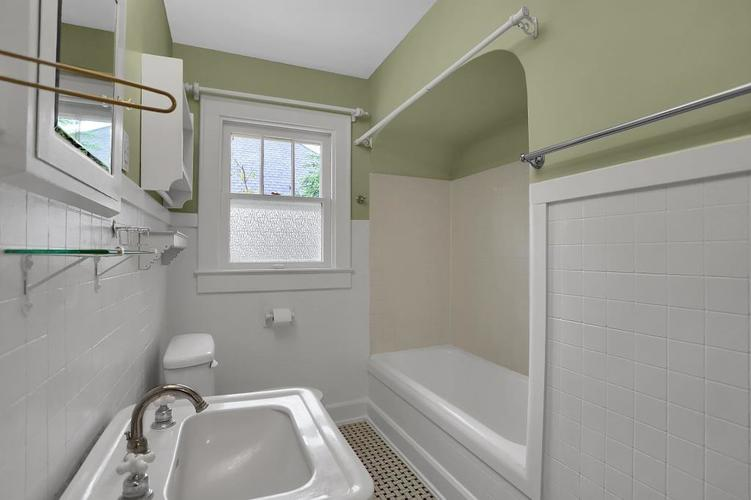 6208 Central Avenue Indianapolis IN 46220 | MLS 21709684 | photo 27