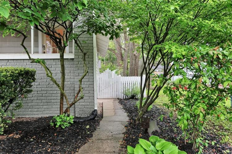 6208 Central Avenue Indianapolis IN 46220 | MLS 21709684 | photo 6