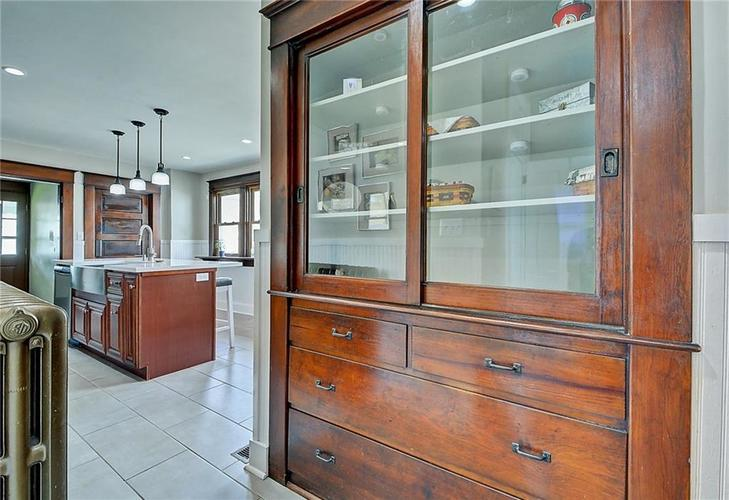 2006 E 10th Street Indianapolis IN 46201 | MLS 21709685 | photo 13