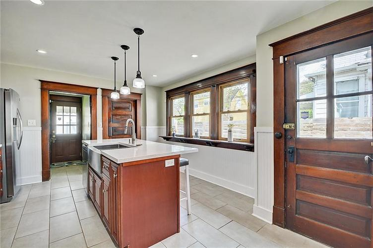 2006 E 10th Street Indianapolis IN 46201 | MLS 21709685 | photo 15