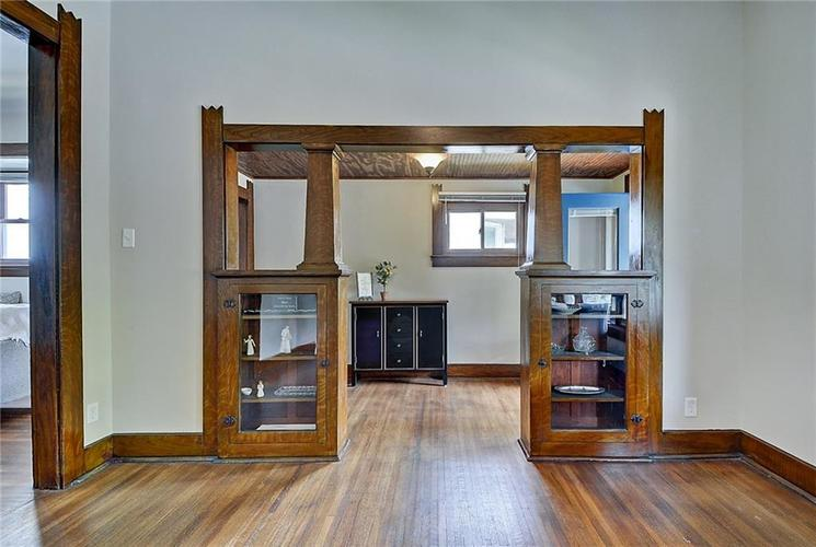 2006 E 10th Street Indianapolis IN 46201 | MLS 21709685 | photo 8