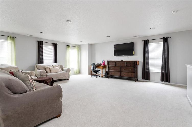 10672 S Miller Drive Indianapolis IN 46231 | MLS 21709698 | photo 11