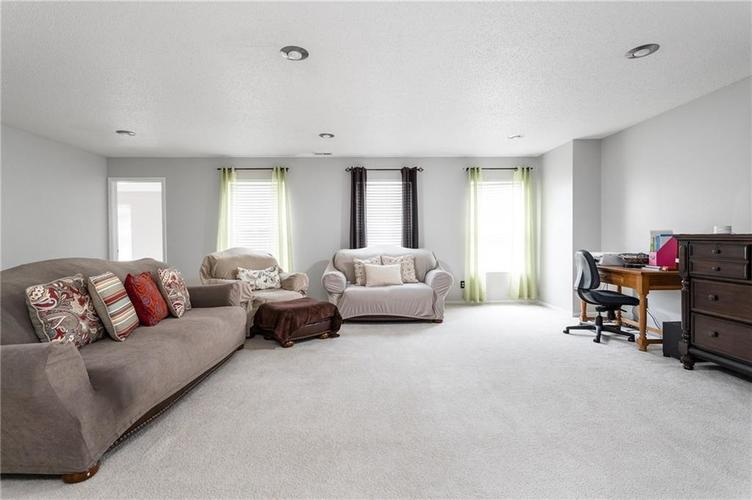 10672 S Miller Drive Indianapolis IN 46231 | MLS 21709698 | photo 12