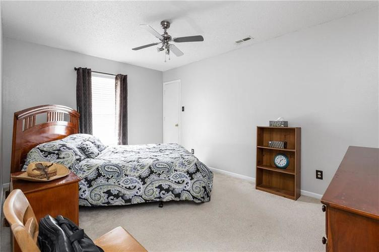 10672 S Miller Drive Indianapolis IN 46231 | MLS 21709698 | photo 17