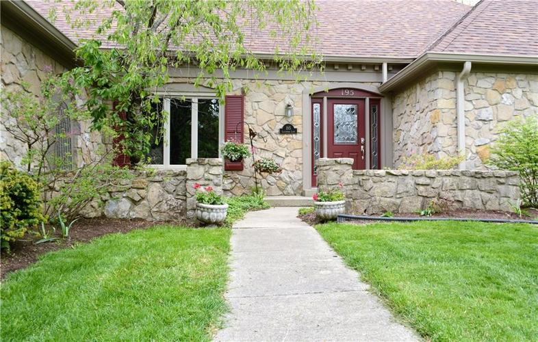 195 GOVERNORS Lane Zionsville IN 46077   MLS 21709717   photo 3