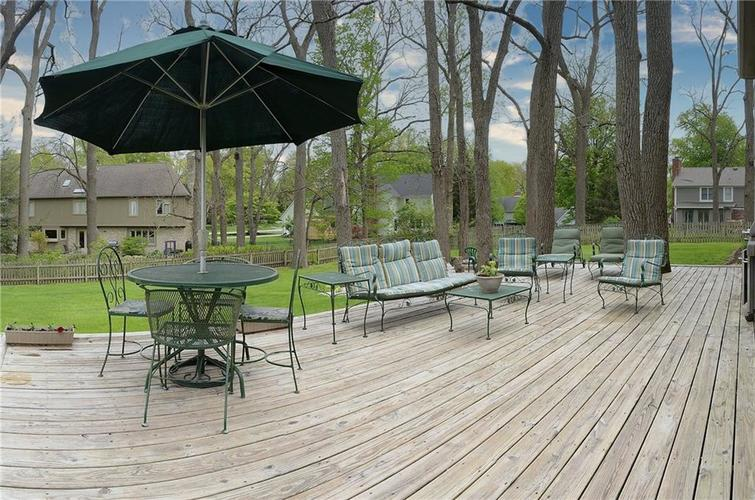 195 GOVERNORS Lane Zionsville IN 46077   MLS 21709717   photo 33