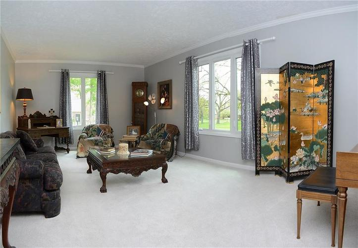 195 GOVERNORS Lane Zionsville IN 46077   MLS 21709717   photo 5