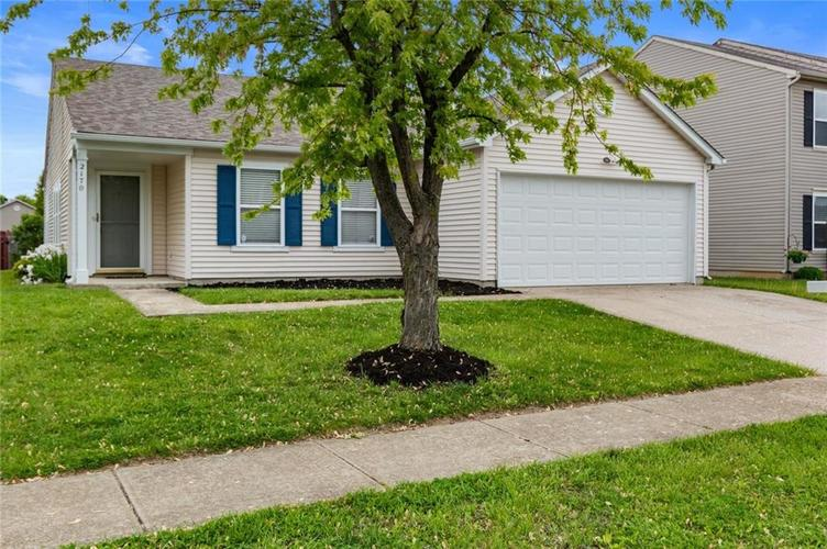 2170 Shadowbrook Drive Plainfield IN 46168 | MLS 21709718 | photo 2