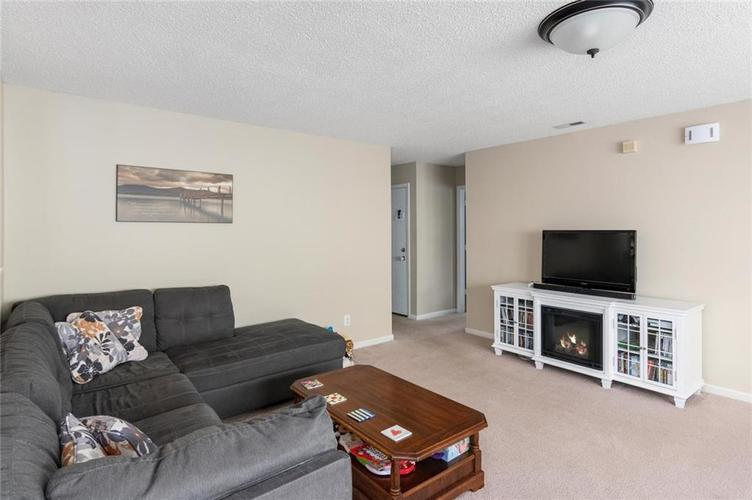 2170 Shadowbrook Drive Plainfield IN 46168 | MLS 21709718 | photo 4