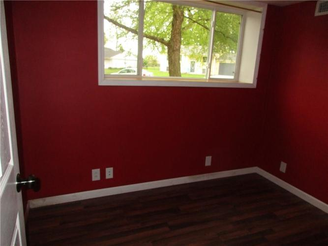 1709 Shannon Court Columbus IN 47203 | MLS 21709732 | photo 12