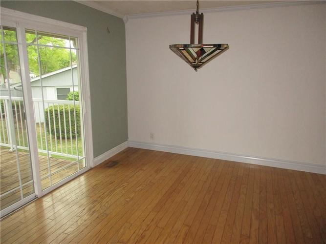 1709 Shannon Court Columbus IN 47203 | MLS 21709732 | photo 4