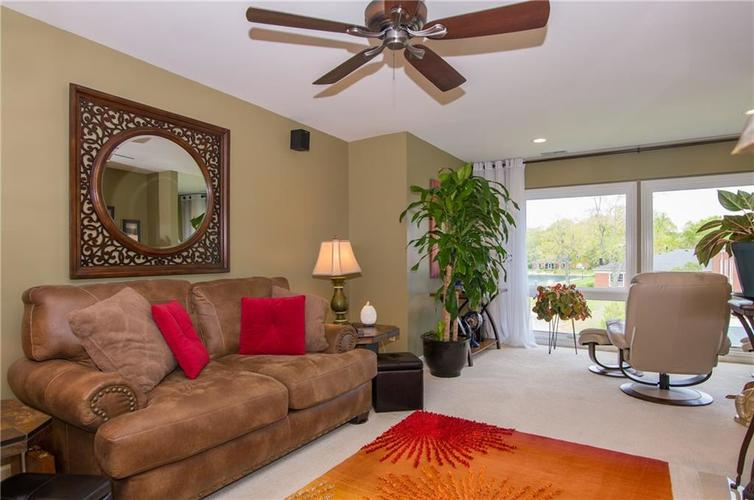 7370 Lions Head Drive Indianapolis IN 46260 | MLS 21709742 | photo 16
