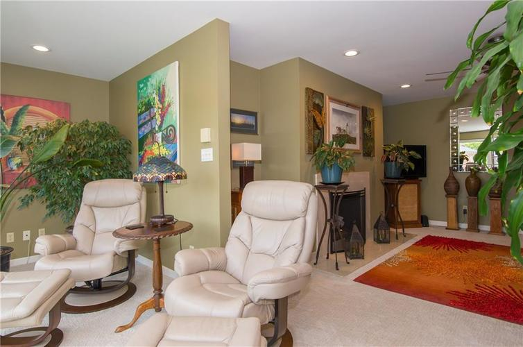 7370 Lions Head Drive Indianapolis IN 46260 | MLS 21709742 | photo 18