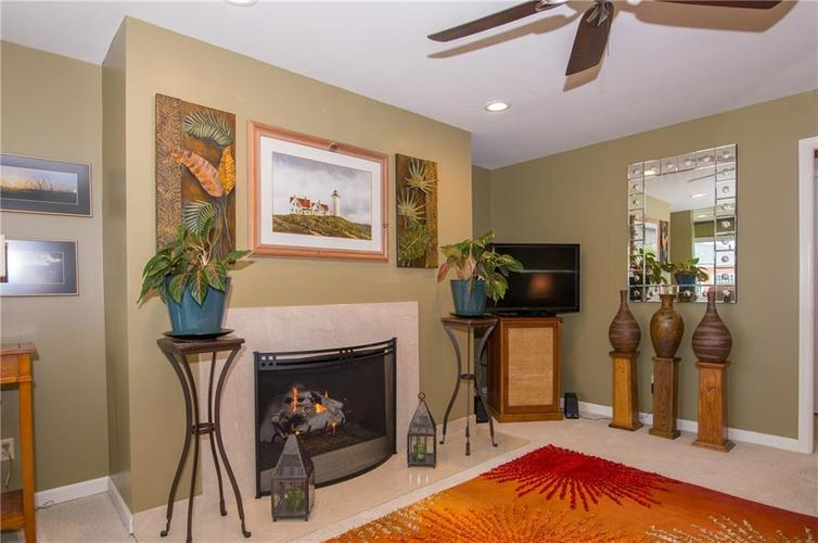 7370 Lions Head Drive Indianapolis IN 46260 | MLS 21709742 | photo 19