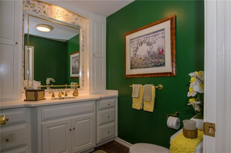 7370 Lions Head Drive Indianapolis IN 46260 | MLS 21709742 | photo 20