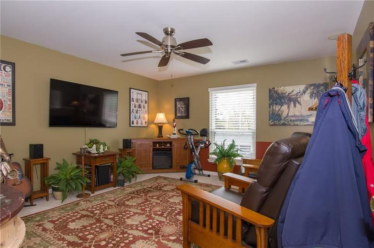 7370 Lions Head Drive Indianapolis IN 46260 | MLS 21709742 | photo 28