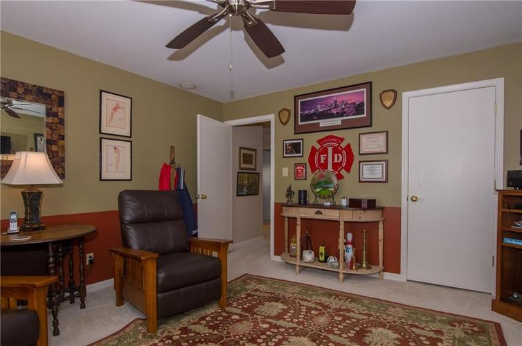 7370 Lions Head Drive Indianapolis IN 46260 | MLS 21709742 | photo 29
