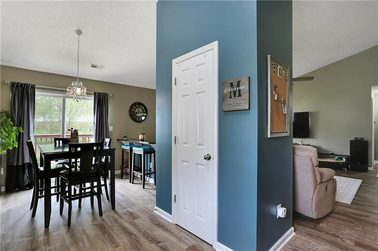 4531 W Woodtrail Court New Palestine IN 46163 | MLS 21709756 | photo 18