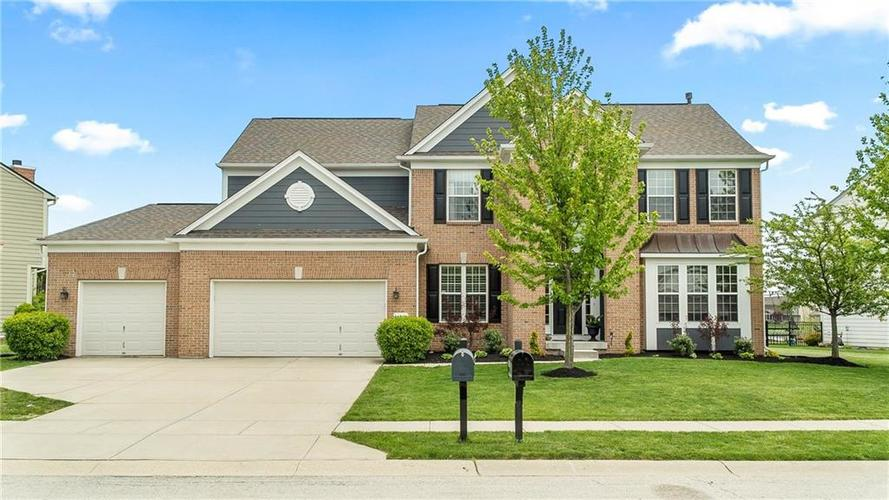 14287 Chariots Whisper Dr Westfield IN 46074 | MLS 21709801 | photo 1