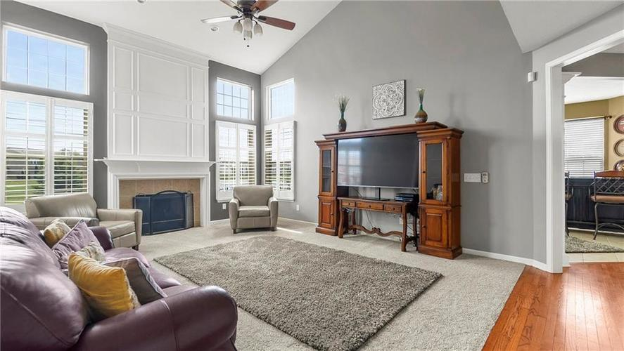 14287 Chariots Whisper Dr Westfield IN 46074 | MLS 21709801 | photo 10