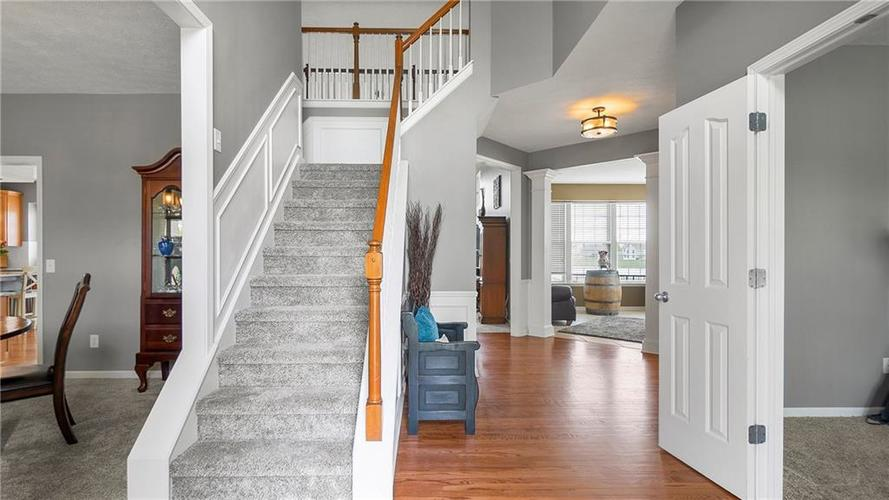 14287 Chariots Whisper Dr Westfield IN 46074 | MLS 21709801 | photo 3