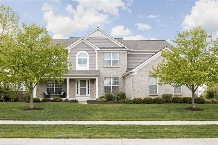 4876 Pebblepointe Pass Zionsville IN 46077 | MLS 21709815 | photo 1