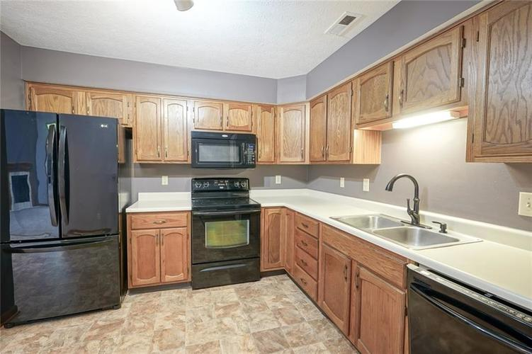 6402 COTTON BAY Drive Indianapolis IN 46254 | MLS 21709825 | photo 10