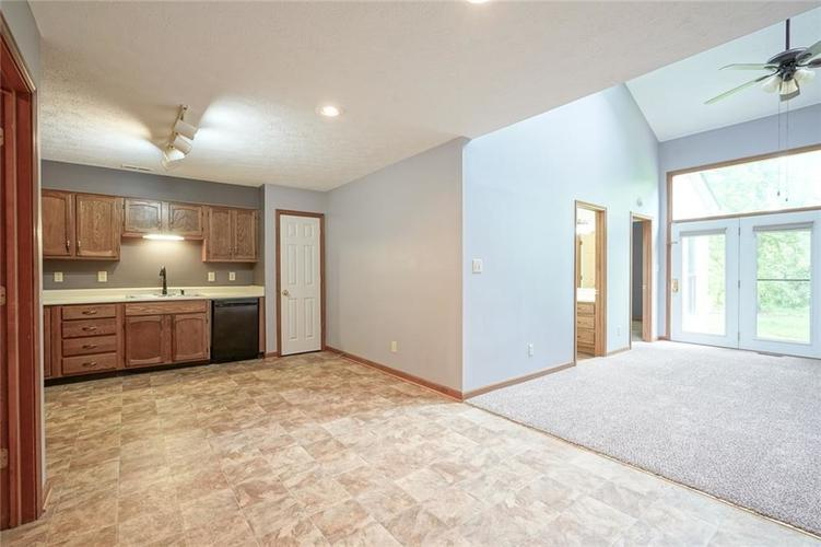 6402 COTTON BAY Drive Indianapolis IN 46254 | MLS 21709825 | photo 6