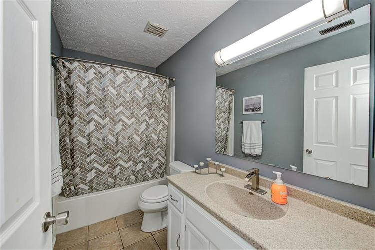 324 Palmyra Drive Indianapolis IN 46239 | MLS 21709841 | photo 24