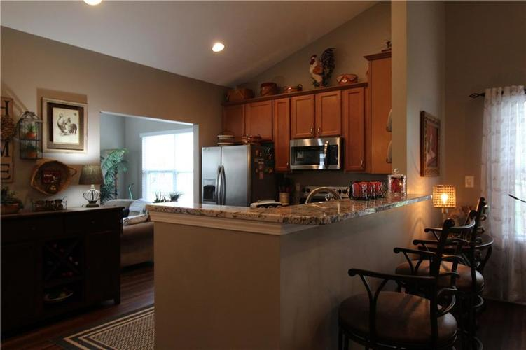 1851 Silverberry Drive Indianapolis IN 46234 | MLS 21709853 | photo 7