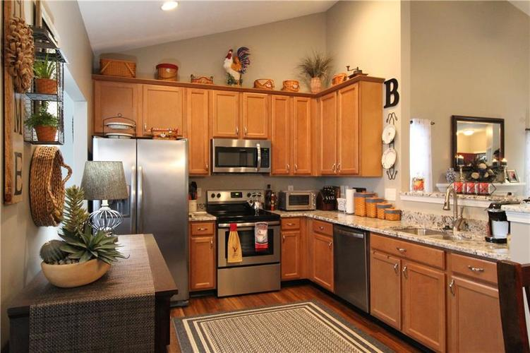 1851 Silverberry Drive Indianapolis IN 46234 | MLS 21709853 | photo 8